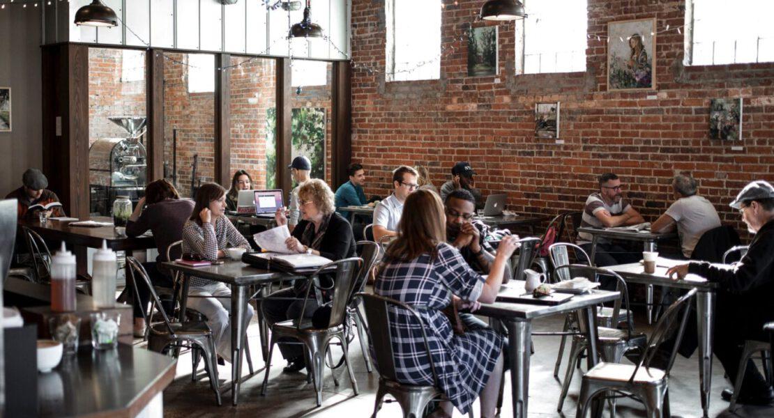 Co to jest Clubhouse i co nam mówi o trendach społecznych?